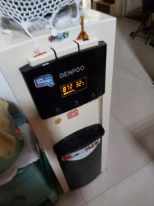 Service dispenser